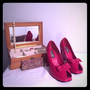 👠 Red Pinup Style High Heels 👠